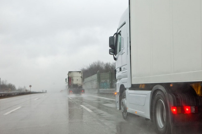 Truck Driving in Heavy Winds